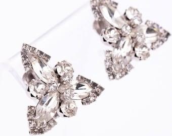 Vintage Weiss Rhodium Plated Rhinestone Earrings