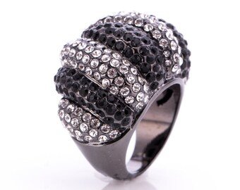 Estate Joan Boyce Gunmetal Rhinestone Statement Ring Size 4.75