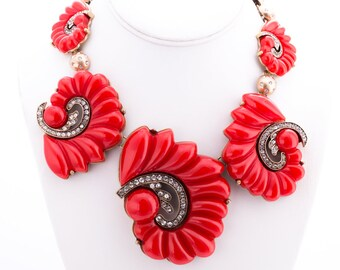 Vintage Oscar de la Renta Ruby Red Resin Crystal Swirl Scalloped Necklace