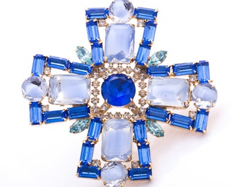 Vintage Unsigned Weiss Sapphire Rhinestone Maltese Cross Brooch