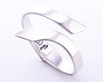 Vintage Modernist Sigi Pineda Sterling Silver Hinged Bracelet