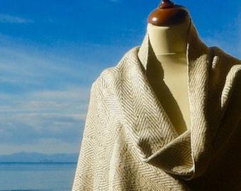 Ahimsa silk stole. Non-violent Tussah silk