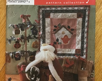 Christmas Decorations Pattern UNCUT Simplicity Crafts 7897