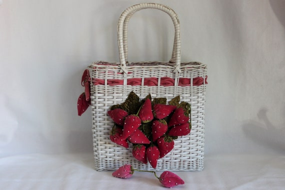 Vintage White Wicker Purse Handbag with Strawberr… - image 1