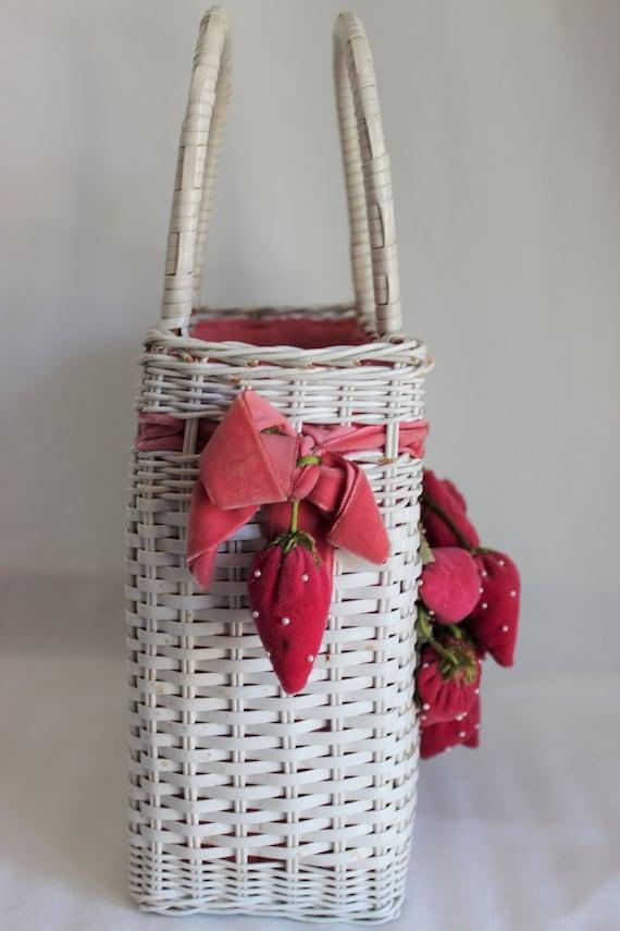 Vintage White Wicker Purse Handbag with Strawberr… - image 3