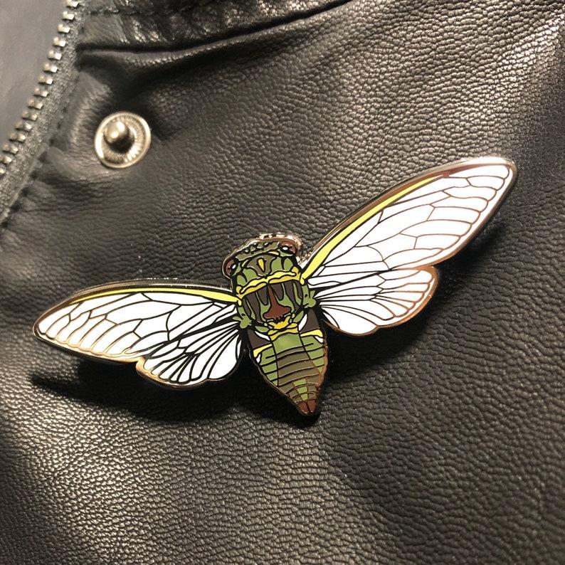 Jumbo Cicada Enamel Pin image 0