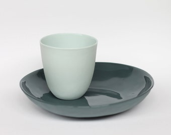 beaker - porcelain (glacier colour)