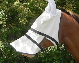 Nag Horse Ranch full face shade with sheepskin and ears