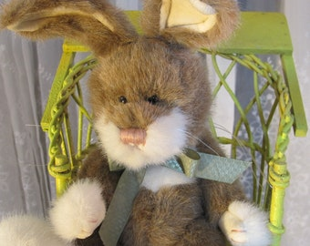 """Vintage 90's Boyds """"Stanley"""" brown and white Easter bunny 16"""""""