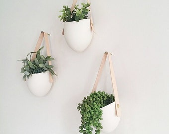 Set of 3 Spora w/ leather: porcelain hanging planters