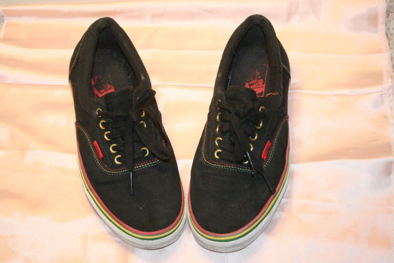 Size 9.5,MEN VANS SNEAKERS,vans shoes,van shoes me