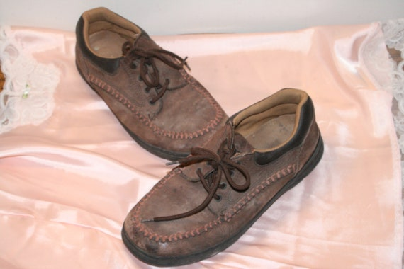 Size 9,MINIMALIST LEATHER BOOTS,minimalist leather