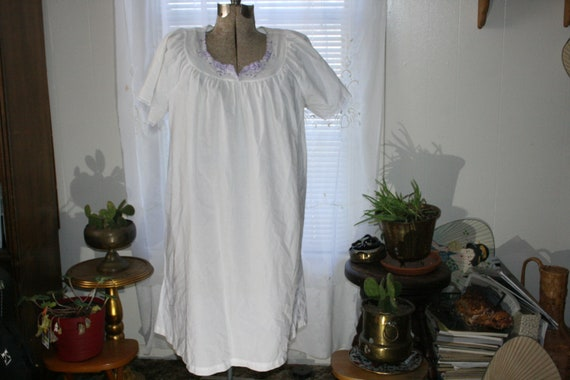NIGHTGOWN VICTORIAN,nightgown vintage,nightgown wo