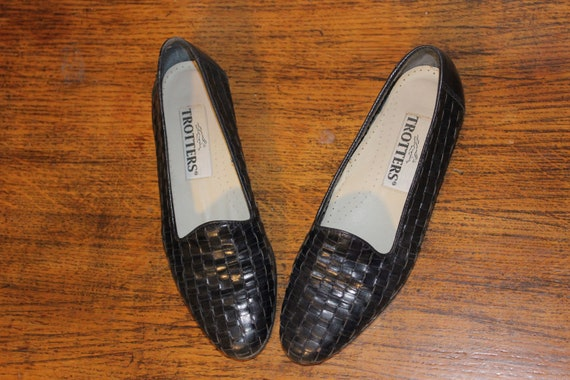 Size 6,MINIMALIST LEATHER LOAFERS,preppy leather l