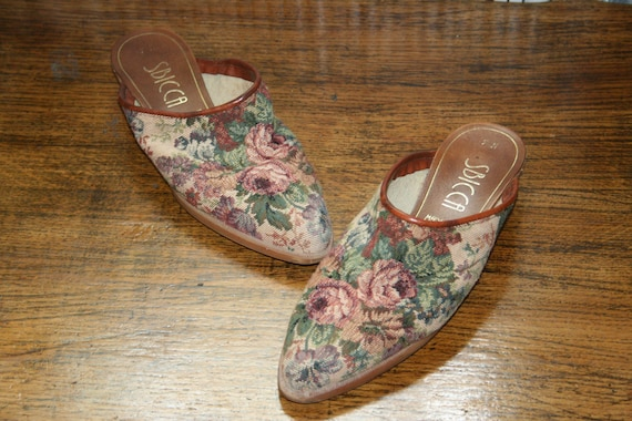 Size 7N,TAPESTRY MULES,southwestern mules,size 7 m