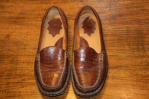 Size 7.5,LEATHER PENNY LOAFERS,women penny loafers