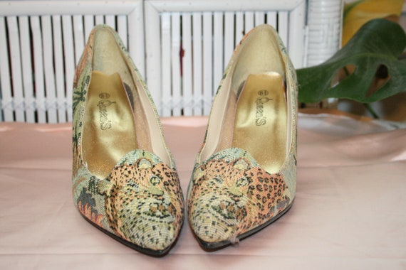 Size 8.5,TAPESTRY CHEETAH HEELS,palm heels,size 8.