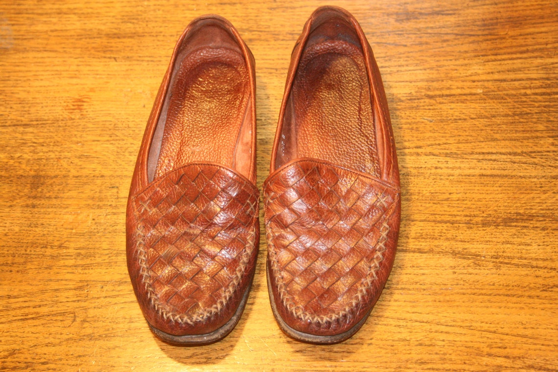 Size 6,COLE HAAN FLATS,cole haan shoes,cole haan slip on vintage,boho loafers,flats 6,loafers 6,minimalist flats,boho flats,hippie flats