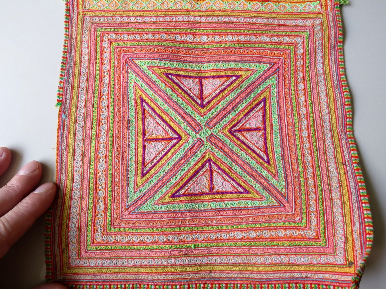 Vintage Hmong tissu tissus faits à la main, textiles main, de tapisserie à la main, textiles colline tribal 19980f