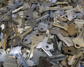 50 Randomly Selected Keys - Free Shipping - Craft Supply