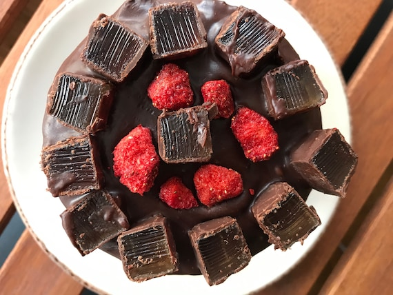 Vegan Mini Chocolate Strawberry  cake, no eggs, no dairy!