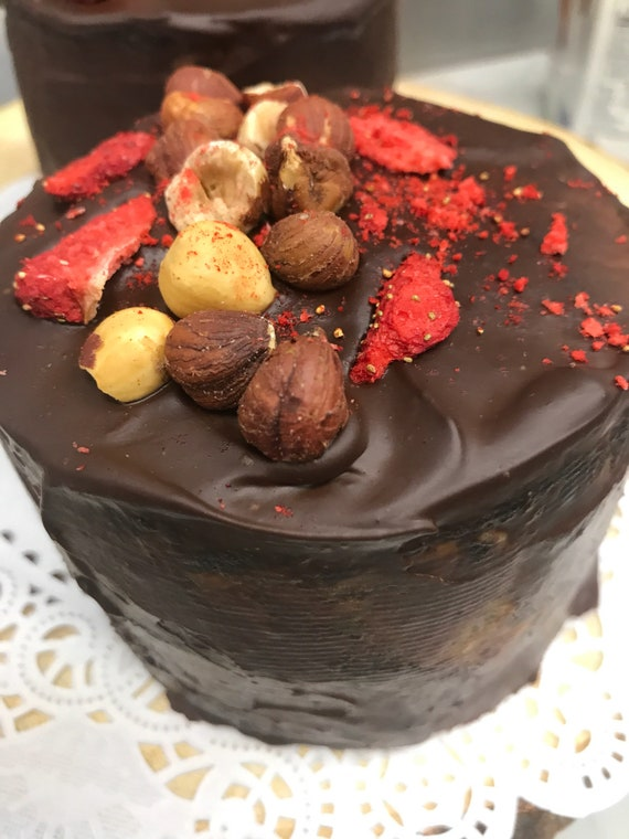 Vegan Mini Chocolate strawberry hazelnut cake, no eggs, no dairy!