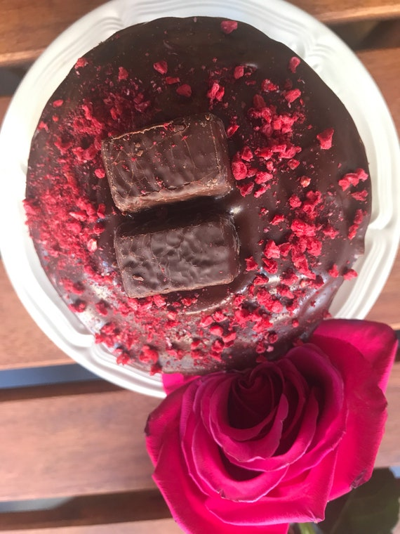 Vegan Mini Chocolate Raspberry cake, no eggs, no dairy!