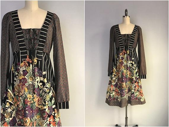Vintage 70s Peasant Dress / 1970s Cotton Floral Bo
