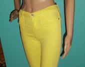 Vintage Yellow Girl 39 s Capri Pants size 12 stretchy jeans shorts kids