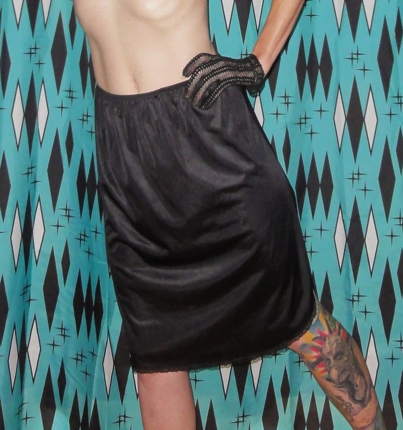 Vintage Black Vanity Fair Half Slip M lace trim rockabilly boudoir pinup retro lingeire bettie page undergarment mid century 1950s mad men