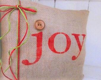 50 % OFF Christmas pillow,decorative pillows, burlap christmas, farmhouse style, rustic christmas, joy, red pillows