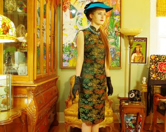 Exotic 1950s Cheongsam Sheath . Vintage Black Asian Quality Brocade Dress . Oriental Chinoiserie Shift . Chic . Frank Brush Designer label .