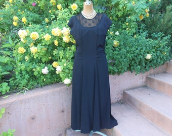 Glamorous 30s Vintage Bias Cut Black Crepe Dress. Crocheted Lace Yoke. Sequin Accent. Side Ruching. Cap Sleeve. Hollywood Chic Gown. Size10