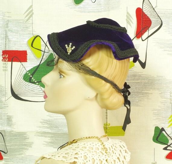 Purple Velvet Pixie Vintage 40's Hat. Lampshade N… - image 1