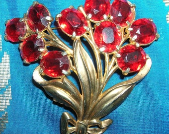 Romantic Red 1930's Rhinestone Brooch. Gold Retro Design Floral Spray. Hollywood style. Collectible.