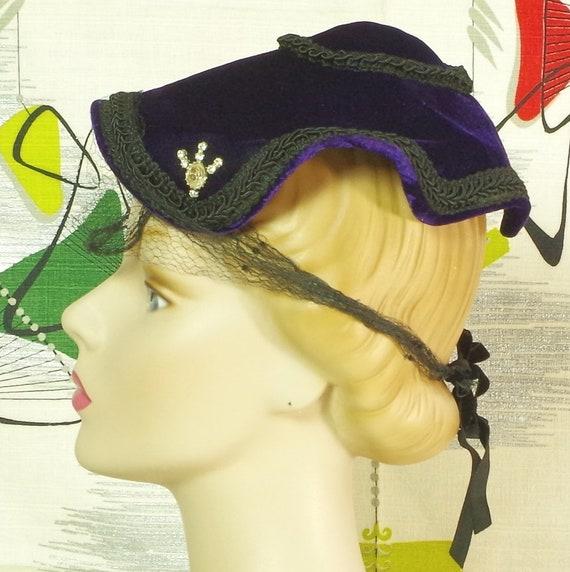 Purple Velvet Pixie Vintage 40's Hat. Lampshade N… - image 9