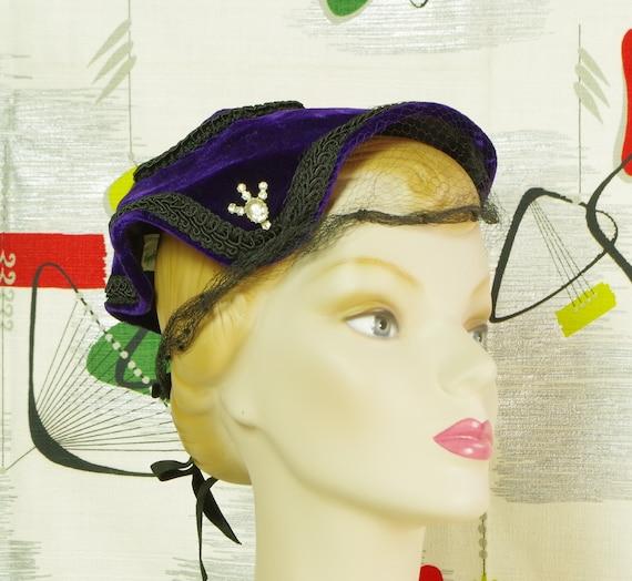Purple Velvet Pixie Vintage 40's Hat. Lampshade N… - image 4