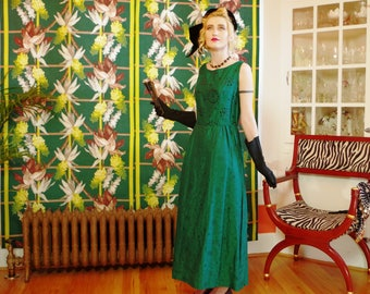 60's Green Goddess Gown.Vintage Emerald Jewel Tone Brocade Sheath.Sleek Mod Style Evening Dress.Sensational St Patrick's Day Party.sz 10 12