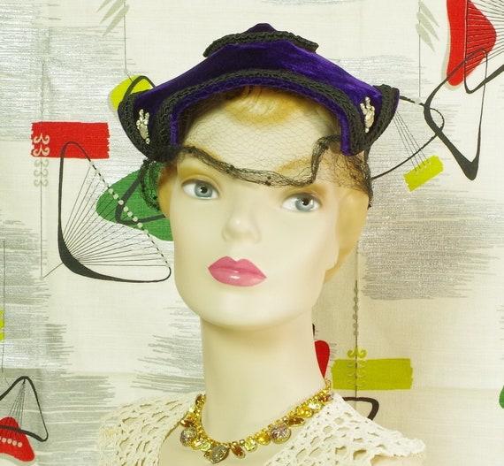 Purple Velvet Pixie Vintage 40's Hat. Lampshade N… - image 6