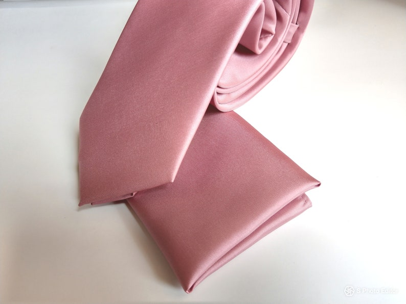 3e7132f8fecd8 Mauve pink deep rose pink men's necktie with pocket square image 0 ...