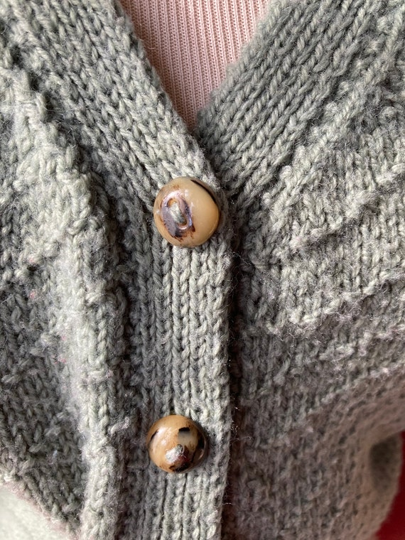 Vintage hand-knitted 30s sage green cardigan with… - image 3