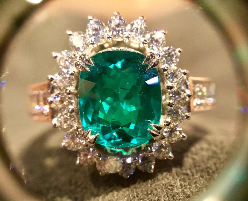 Beautiful RING STERLING SILVER 925  Handmade Setting  Green Colombia Emerald  2.91 Carat Size  7 us.Top Clarity Best for Jewelry