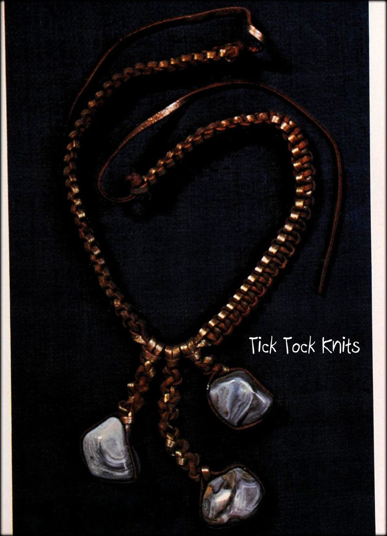 No.1045 Macram\u00e9 Pattern PDF Vintage 1970/'s Retro Boho Women/'s or Men/'s Leather Macrame Necklace With Hanging Stones