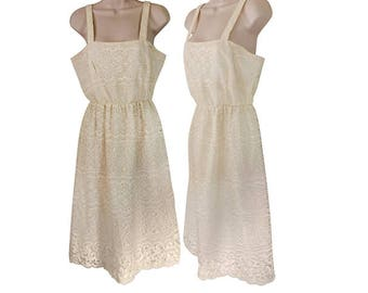 Casual Wedding Dress Ivory Lace Wedding Dress Boho Wedding Dress Bohemian Wedding Dress 1970s Wedding Dress 70s Wedding Dress Sleeveless