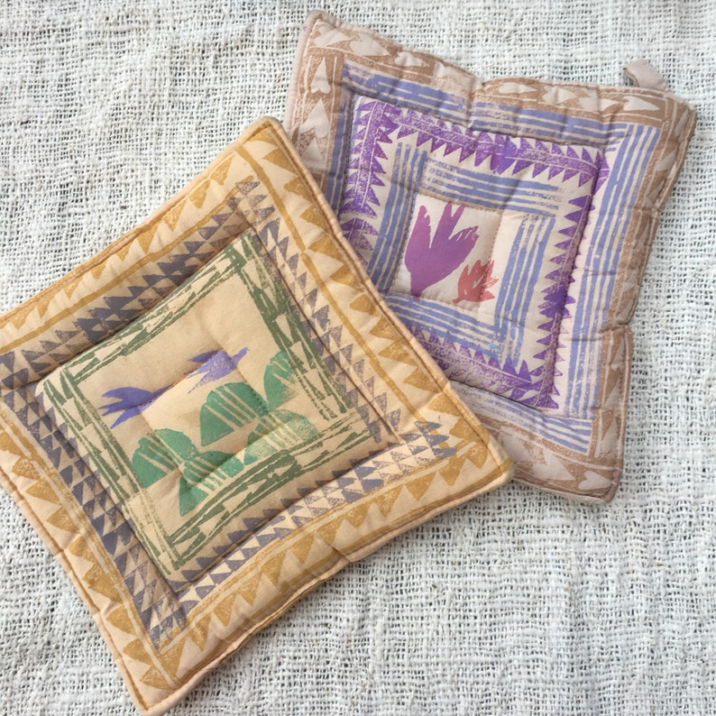 Vintage Colorful Purple Green Pink Beige Mustard Colored Santa Fe New Mexico Desert Style Pot Holder Hot Pads-Set of 2