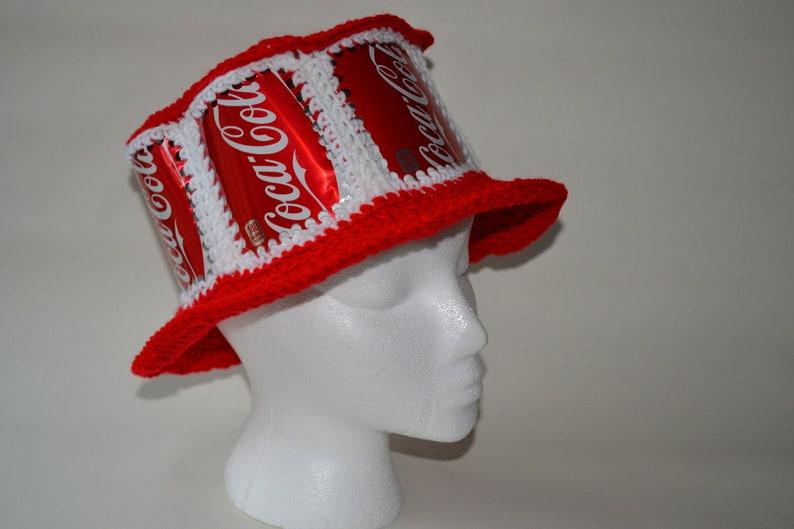 a8d0ddff6e39d Puede sombrero reciclado Coca Cola refresco de ganchillo