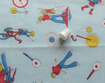 oh so 1970s novelty print vintage cotton blend fabric -- 45 wide by the yard