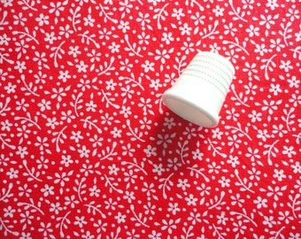 red and white floral print vintage cotton fabric fat quarter