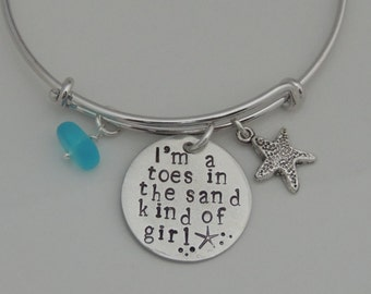 I'm a toes in the sand kind of girl Bracelet - Hand Stamped Expandable Bangle Bracelet - Beach Girl - Beach Vacation - Beach Bracelet