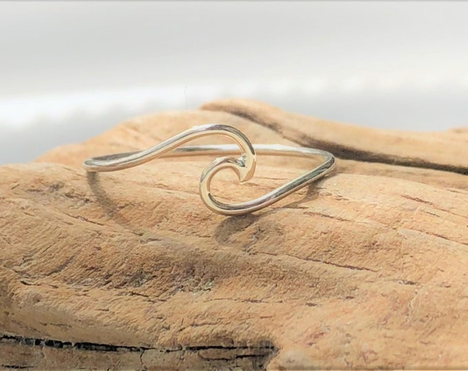 NEW! WAVE RING